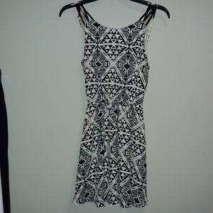 🆕️ Black & White Tank Style Dress